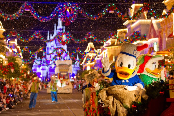 mickeys very merry christmas party features parade - Disney World Christmas Party