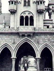 Disneyland History Disney News Walt Walking in Disneyland