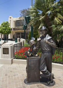 Storytellers Statue California Adventure