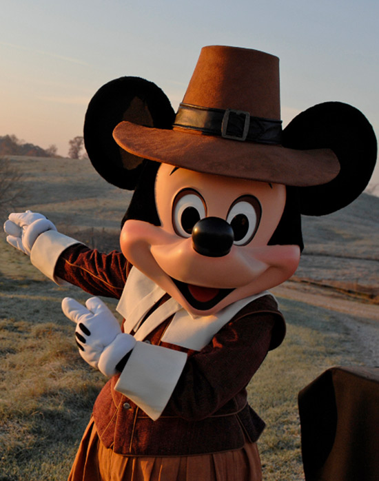 Disneyland Thanksgiving Mickey Mouse Olp Travel News